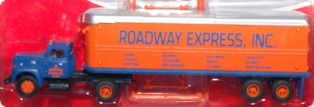 Roadway IH R-190 Tractor / 32`Aerovan Trailer Set