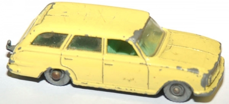 38B Vauxhall Victor Extate Car