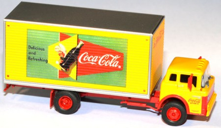 Ford C Box Van Coca-Cola Coke Delivery Truck gelbgelb