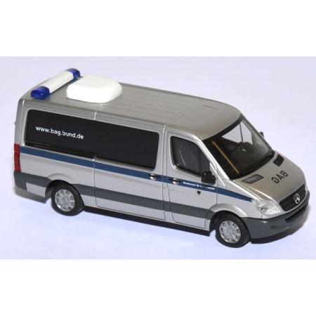 shop f r gebrauchte modellautos vw crafter 2011 bus bag. Black Bedroom Furniture Sets. Home Design Ideas